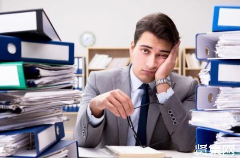 在职工作如何快速提升学历?在职研究生的学费是多少